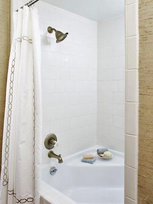 خطراتی که در حمام شما را تهدید میکند